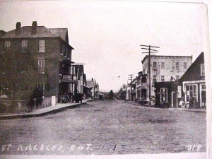 Photo taken from Queen Street looking down Lake Street, 1913. Killaloe Millennium Museum Exhibit.