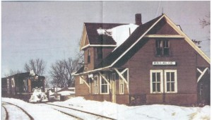Photo of C.N. train #1297 pulling into Killaloe Station.