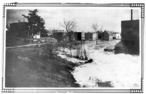 Picture from 1928 flood. Betty Mullin Collection.
